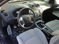 Ford Mondeo Kombi 2.0 TDCi Titanium - wnętrze
