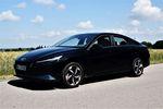Hyundai Elantra 1.6 MPI Executive - wypełnia niszę, ale czy dobrze?