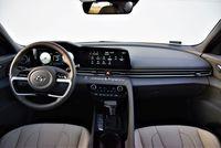Hyundai Elantra 1.6 MPI Executive - deska rozdzielcza