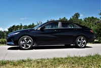 Hyundai Elantra 1.6 MPI Executive - profil