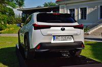 Lexus UX - tył