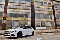 Mercedes-Benz A 200 7G-Tronic - z boku