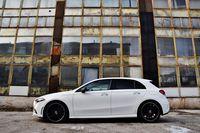 Mercedes-Benz A 200 7G-Tronic - bok