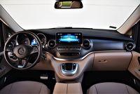 Mercedes-Benz V 300 d 4MATIC - deska rozdzielcza