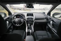 Mitsubishi Eclipse Cross 1.5T 163 KM - wnętrze, deska