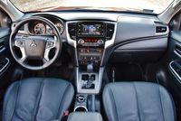 Mitsubishi L200 2.2 D 4WD AT Instyle Plus - deska rozdzielcza