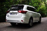 Mitsubishi Outlander PHEV - z tyłu