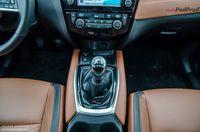 Nissan X-trail 2.0 dCi 177 KM Tekna - dźwignia biegów