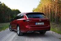 Opel Insignia Sports Tourer 2.0 Turbo A9 Business Elegance - sylwetka z tyłu