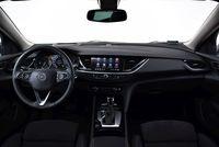 Opel Insignia Sports Tourer 2.0 Turbo A9 Business Elegance - wnętrze