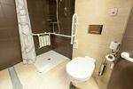 Łazienka na poddaszu z ulgą rehabilitacyjną