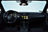 Skoda Superb Sportline iV Plug-in Hybrid - wnętrze
