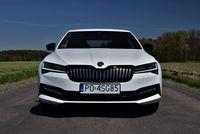 Skoda Superb Sportline iV Plug-in Hybrid - przód