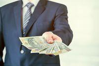 Zwrot gotówki i przelew bankowy a korekta kosztów podatkowych