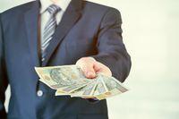 Wycofanie gotówki i zapłata przelewem w kosztach uzyskania przychodu
