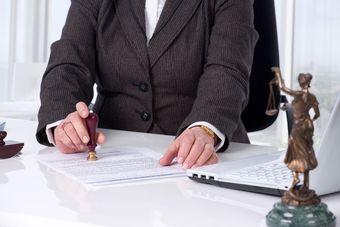 Sprzedaż nieruchomości: Oświadczenie o opodatkowaniu VAT w akcie notarialnym