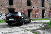 VW Passat Variant 2.0 BiTDI - z tyłu