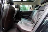 VW Passat Variant 2.0 BiTDI - fotele