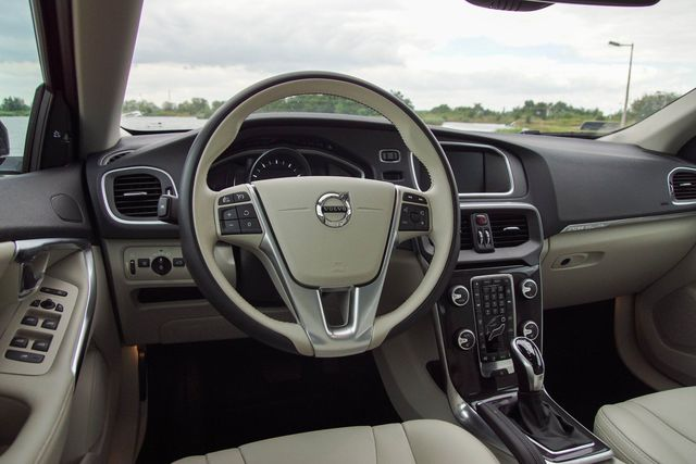 Ogromnie Volvo V40 T5 AWD Cross Country - wnętrze IY84