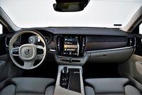 Volvo V90 B4 Inscription - wnętrze