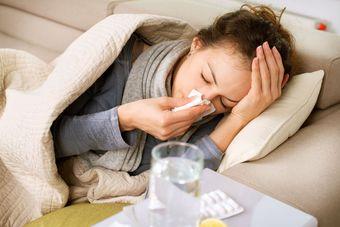 ZUS: czy na kwarantannie przysługuje zasiłek chorobowy?
