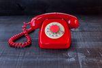 Kto nie płaci za abonament telefoniczny?