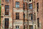 NIK: starsze budynki komunalne popadają w ruinę