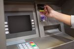 Cash back vs wypłata z bankomatu: co lepsze?