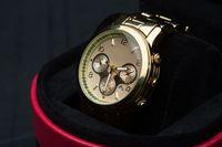 Spadła sprzedaż luksusowych zegarków