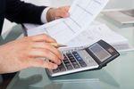 Usługi nienazwane jako usługi zarządzania/doradcze a limitowanie kosztów