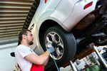 Wymiana opon w samochodzie osobowym w kosztach firmy