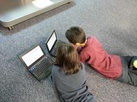 Czego latem szukały dzieci w sieci?