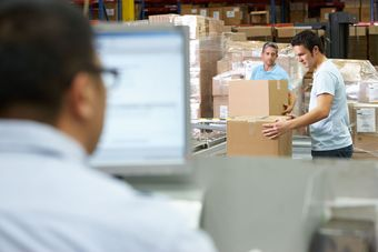 Fulfillment czyli outsourcing usług logistycznych - dlaczego warto skorzystać?