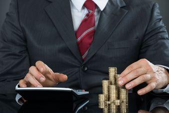 Fundusze inwestycyjne. Co sprawdzić, żeby nie stracić? [© Andrey Popov - Fotolia.com]