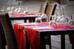 GUS: koniunktura gospodarcza na minusie, wciąż najgorzej w gastronomii