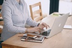 EY: internet nam szkodzi, zmęczenie cyfrowe coraz powszechniejsze