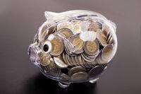 Lokaty bankowe tracą 12,5 mld zł. Co zyskuje?