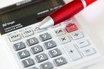Umowa na zastępstwo a prawo do karty podatkowej