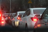 Korki na drogach w 2020 roku mniejsze przez pandemię