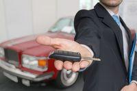 Jak kupić samochód za granicą i go rozliczyć w kosztach