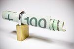 Kradzież pieniędzy z konta bankowego. Zobacz, jak się chronić