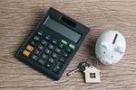 Kupno mieszkania i jego odsprzedaż: czy to ma ekonomiczny sens?