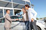 Jak Polacy kupują nowe samochody?