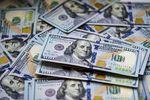 Słaby kurs dolara to tylko słowa?
