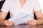 Nakaz zapłaty wydany przez pocztę po terminie: jakie skutki?