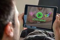 Serwisy streamingowe w czasach pandemii: uwaga na pułapki!