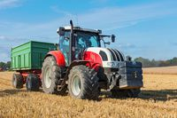 Czy rolnik przy zakupie używanych maszyn płaci PCC?