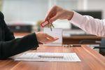 Sprzedaż nieruchomości: kwota odstępnego z podatkiem VAT