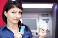 Nie przepłacaj za korzystanie z bankomatu
