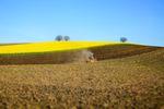 Darowizna i sprzedaż ziemi rolnej bez podatku dochodowego